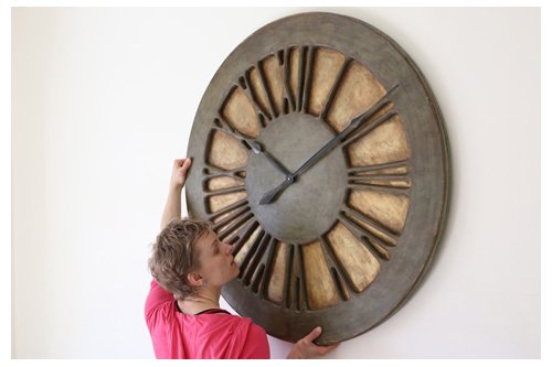duże zegary ścienne w stylu shabby chic