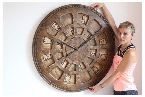 wielkie zegary ścienne do dekoracji salonu