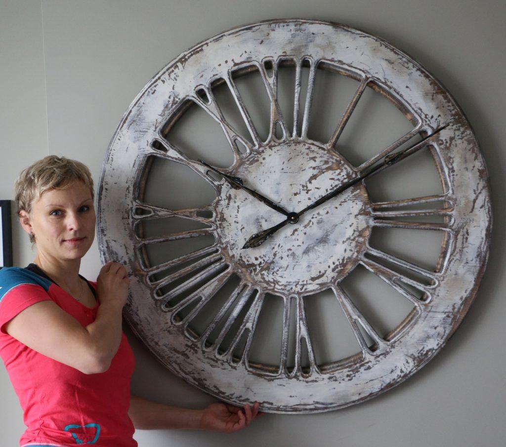 Zegary Ścienne Szkieletowe Białe