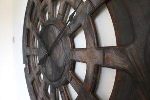Riesige, handgefertigte Designer-Statement-Wanduhr. 120 cm Durchmesser & 12 kg Gewicht