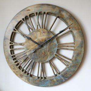 wiszący nowoczesny zegar ścienny z drewna