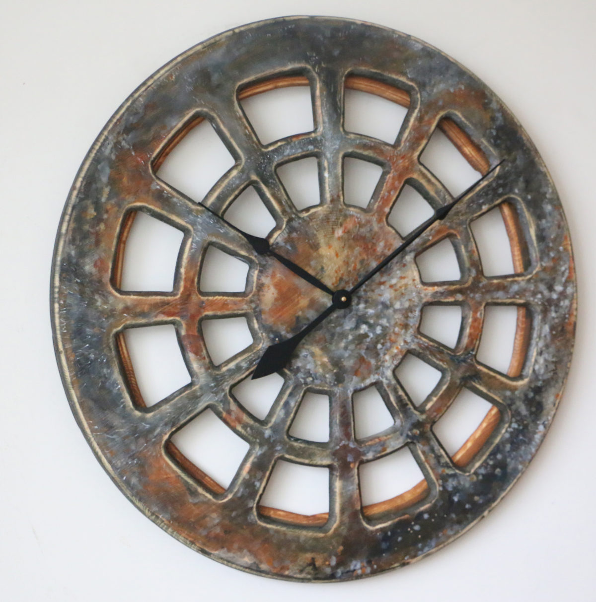 Massive Handmade Wall Clocks New Design Trends