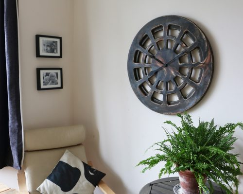 handmade decorative clock for lounge