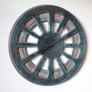 wyjątkowy, dekoracyjny zegar w stylu wiejskim