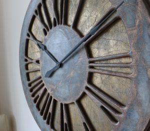 Bardzo duży zegar ścienny do salonu