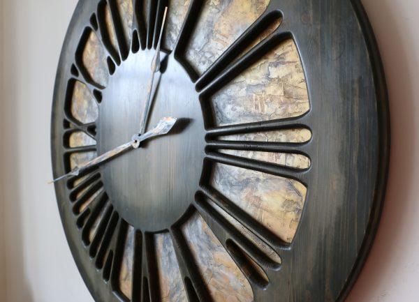 Artystyczny Zegar Ścienny z prawej strony zoom